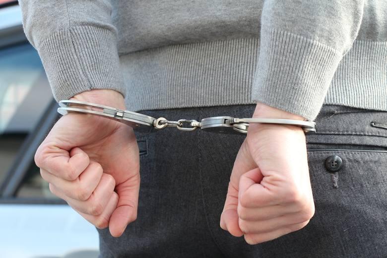 Trzech mężczyzn napadło nastolatka na Sławinku w Lublinie. Ukradli mu komórkę, portfel i markowe spodnie