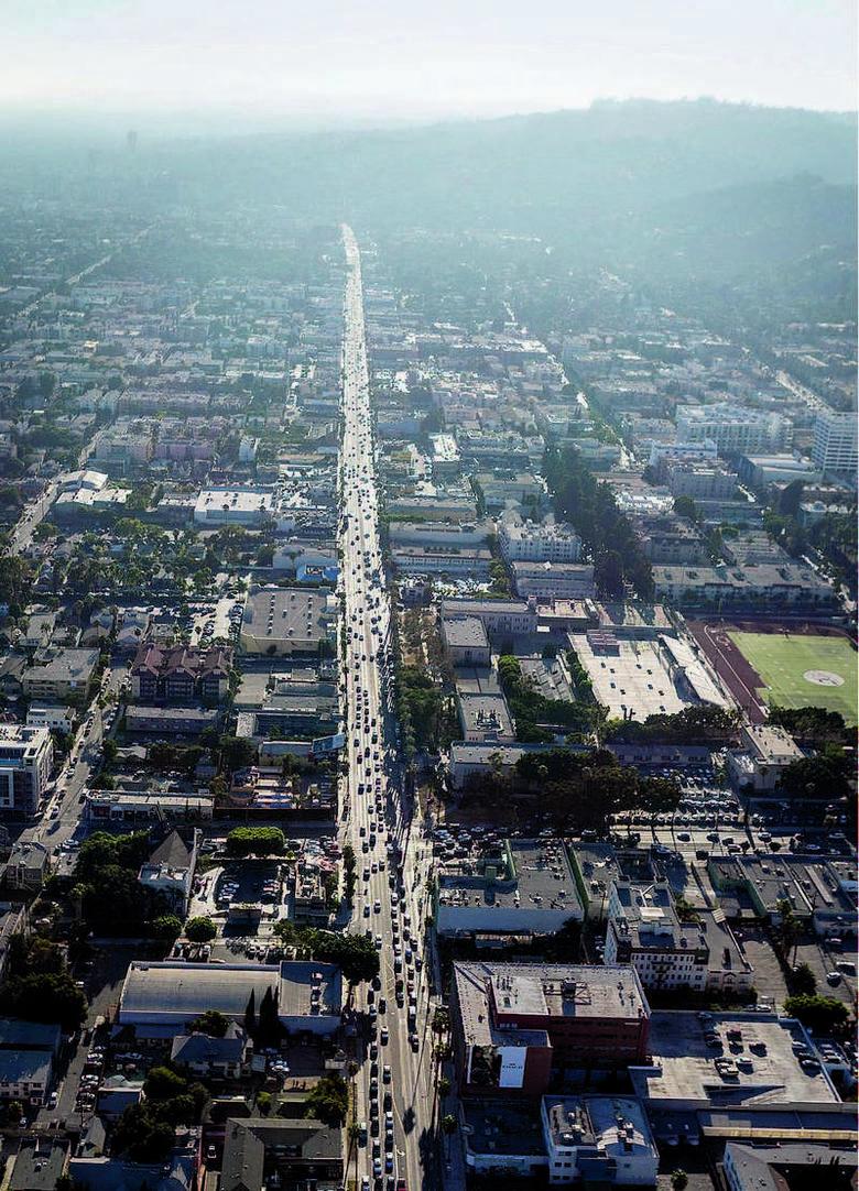 Skąpane w smogu Los Angeles