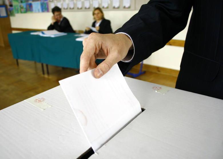 Wybory samorządowe 2018. W Stryszowie karty do głosowania bez jednego kandydata na radnego