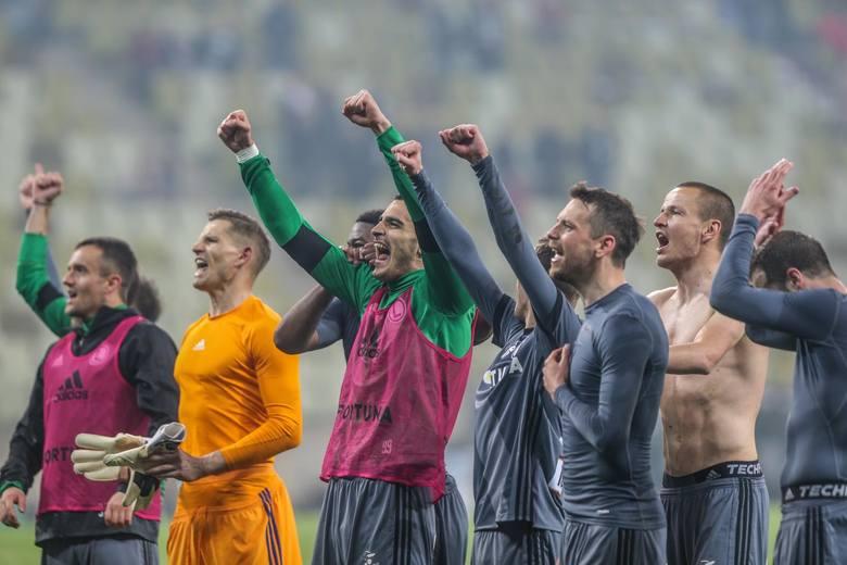 Legia Warszawa w poprzedniej kolejce wygrała z Lechią Gdańsk w kontrowersyjnych okolicznościach.
