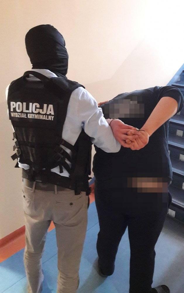 Policjanci z Namysłowa zatrzymali dwóch mężczyzn podejrzanych o liczne włamania i kradzieże