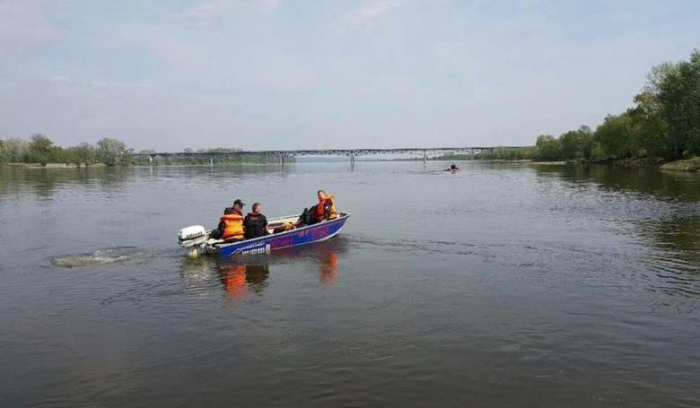 Niepokojące wiadomości przekazali nam strażacy. Podczas spływu kajakowego w Bydgoszczy zaginęły dwie kobiety. Rozpoczęły się poszukiwania.