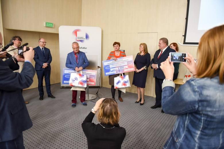 Maria Długosz Życzko oraz Ryszard Rogoziński zdobyli nagrody w konkursie Urzędu Marszałkowskiego