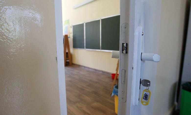 Nabór do szkół średnich przeciągnie się aż do sierpnia. 15 czerwca wystartuje nabór do liceów, techników i szkół branżowych