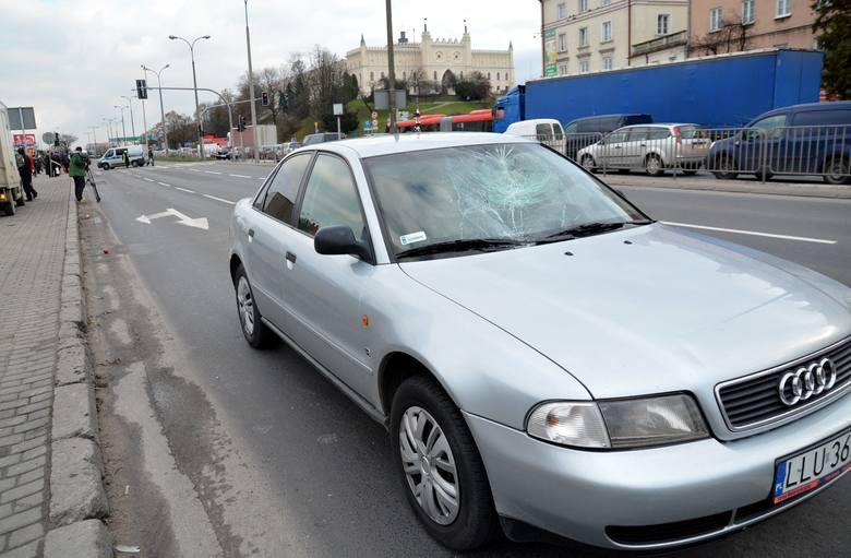 Wypadek na al. Tysiąclecia w Lublinie. Na przejściu przed Novą ponad rok temu potrącone zostały dwie starsze kobiety, W ciężkim stanie trafiły do szpitala.