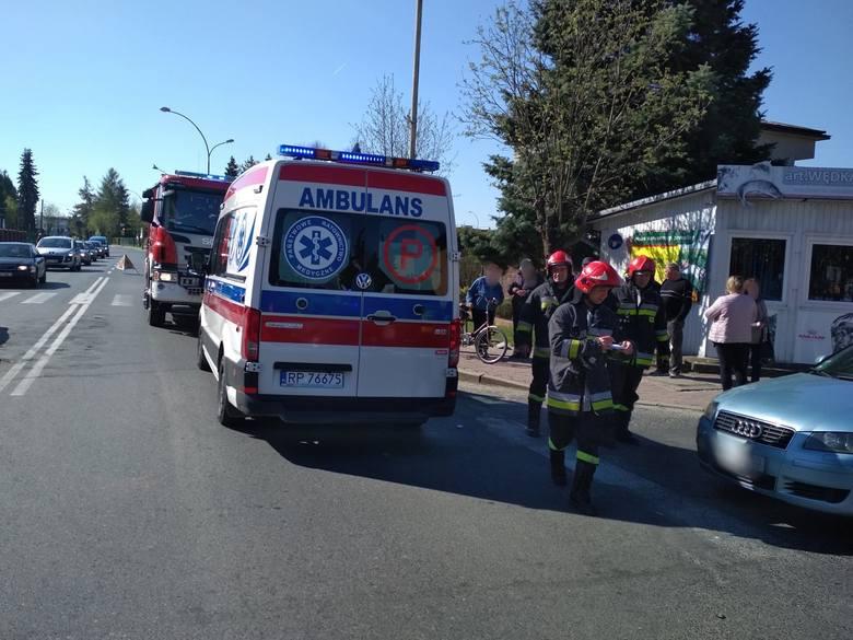 W piątek około godz. 9.20 dyspozytor medyczny w Przemyślu otrzymał zgłoszenie wypadku na skrzyżowaniu ul. Słowackiego z ul. Krasińskiego w Lubaczowie.W