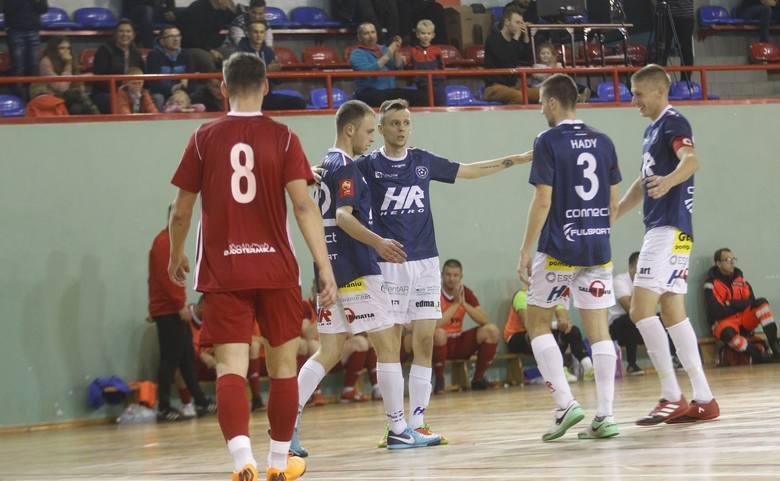 1 liga: Heiro Rzeszów – Siemianowice Śl. (n. 16, ul. Miłocińska).Aby zobaczyć pełny Sportowy Rozkład Jazdy, wejdź na kolejne zdjęcie
