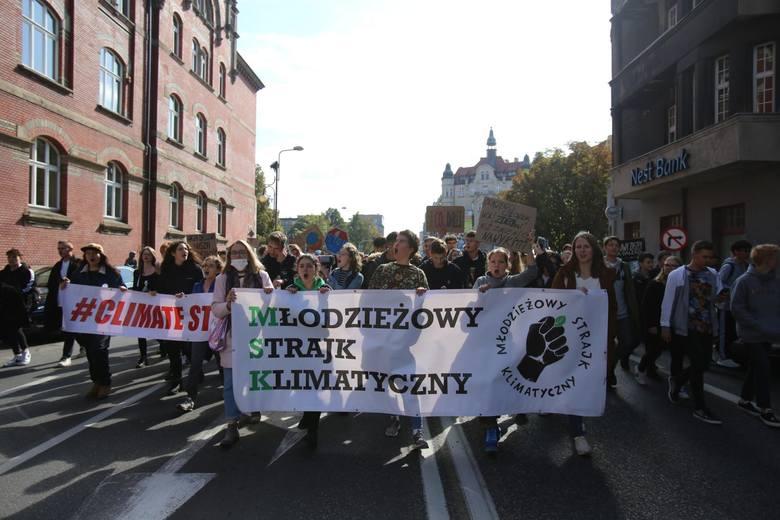 Katowice - rynek, młodzieżowy strajk klimatyczny.