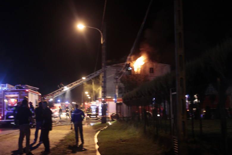 Pożar w kamienicy przy Aleksandrowskiej 143