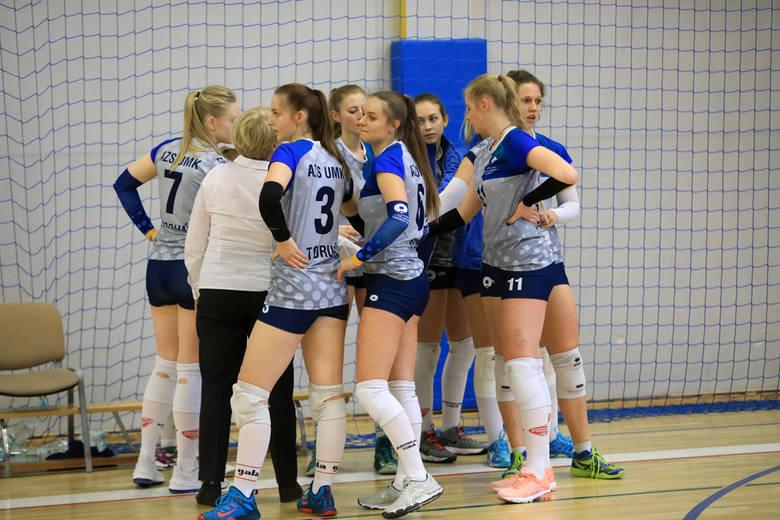 Już po raz 49. w Toruniu odbywa się siatkarski Turniej Kopernikański z udziałem reprezentacji pięciu uniwersytetów - UMK, UG, KUL, UW i UAM. Wśród kobiet