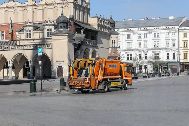 W Krakowie sprawie podwyżek na razie uzgodniono wysokość opłaty za wywóz śmieci.