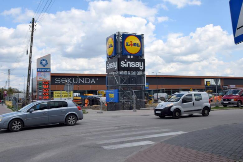 W czwartek, 13 maja o godzinie 10 wielkie otwarcie Centrum Handlowego Sekunda w Jędrzejowie. Na tydzień przed otwarciem, wszystkie elementy dopinane
