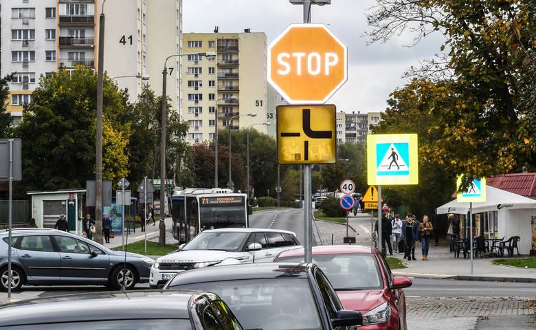 Ruch na skrzyżowaniu ulic Głowackiego i Gajowej jest bardzo duży. Zamontowanie tu progów zwalniających ma poprawić bezpieczeństwo. Wnioskowała o to Rada Osiedla Bartodzieje.