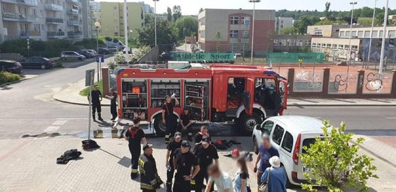 Do zdarzenia doszło w środę, 12 czerwca, w bloku przy ul. Godlewskiego w Zielonej Górze. Mężczyzna podpalił drzwi do mieszkania znajomej. Pożar ugasili