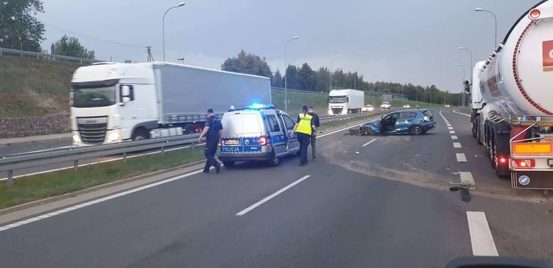 W piątek około godz. 18 na S8 w Jurowcach doszło do wypadku
