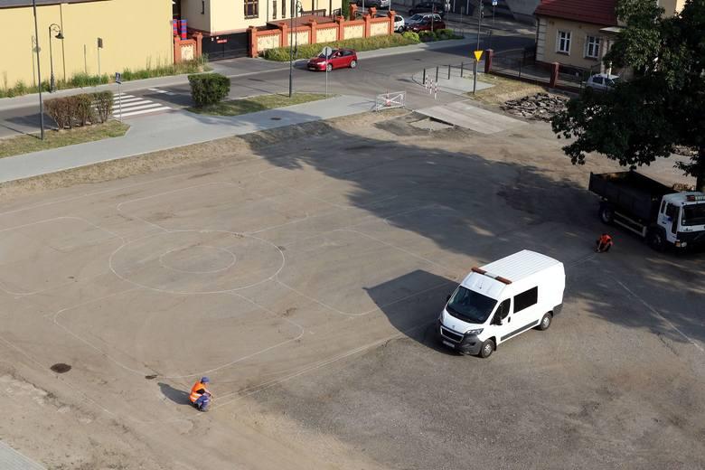 Rybnik i zabudowa placu Hallera - najpierw będzie tu rozrywka - czasowa strefa aktywności
