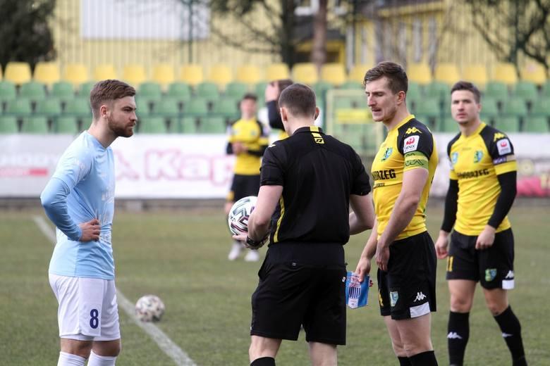 Piłkarze trzecioligowej Siarki Tarnobrzeg zremisowali w sobotę ze Stalą Kraśnik na wyjeździe 0:0. Zobacz, jak oceniliśmy ich za ten mecz w skali 1-1
