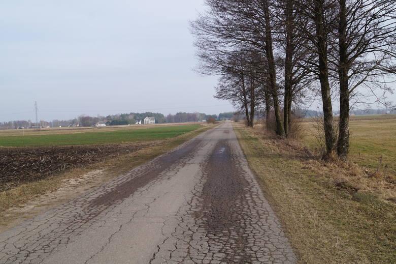 Olszewo-Borki. Droga gminna nr 250923W w miejscowości Żebry-Perosy