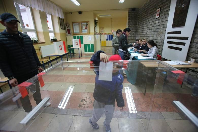 4 listopada w ponad 30 gminach naszego województwa odbyła się druga tura wyborów samorządowych. Wybieraliśmy prezydentów, burmistrzów czy wójtów. Galerie