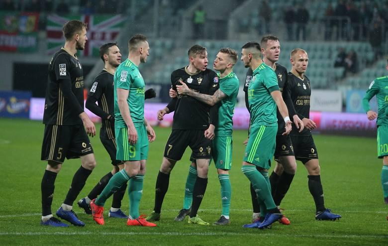 Śląsk Wrocław przegrał z Górnikiem Zabrze 1:2 w 33. kolejce LOTTO Ekstraklasy. Oceniliśmy piłkarzy Śląska za ten mecz. Kto dostał najwyższą, a kto najniższą