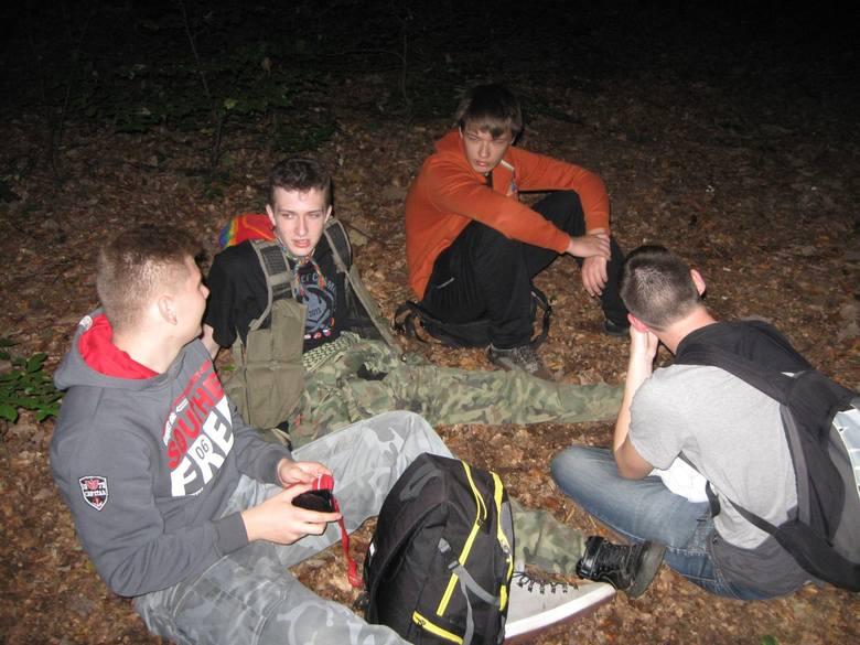 """W nocy z 3 na 4 października obył się 35. Nocny Rajd Pieszy """"Sezam, jesień i Ty"""" organizowany przez Harcerski Klub Turystyki Pieszej &q"""