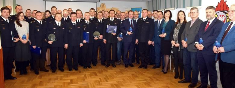 W Komendzie Wojewódzkiej PSP w Rzeszowie odbyło się spotkanie ze strażakami, którzy reprezentowali  Podkarpacie w międzynarodowych zawodach sportowych.