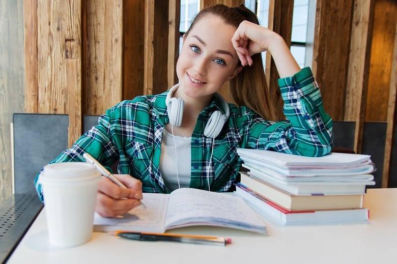 W piątek, 31 lipca 2020 r., Centralna Komisja Egzaminacyjna opublikowała wyniki egzaminu ósmoklasisty 2020 r. Egzamin ósmoklasisty w terminie głównym