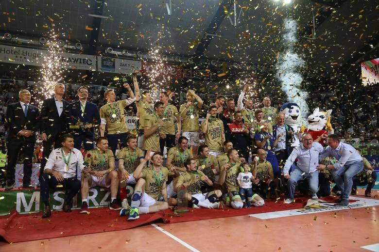 W latach 2010-2020 na Opolszczyźnie nie brakowało spektakularnych widowisk z udziałem nie tylko naszych lokalnych drużyn, ale również i reprezentacji