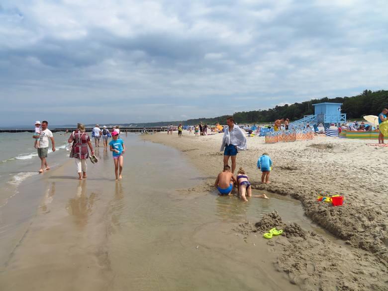 Rozpoczęło się lato. Wspaniała pogoda na plażowanie w Ustce. Zapraszamy do galerii zdjęć.
