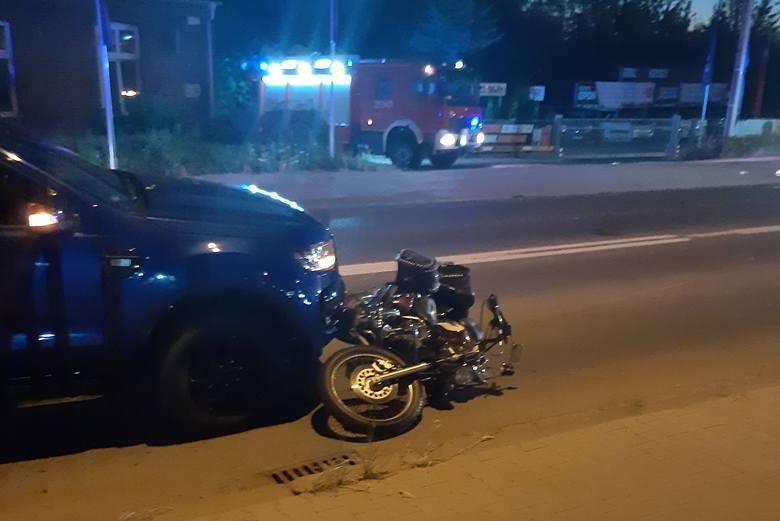 W piątek, 31 lipca późnym wieczorem doszło do wypadku motocyklisty w Koziegłowach pod Poznaniem. Jak informuje straż pożarna - zderzył się on z dwoma