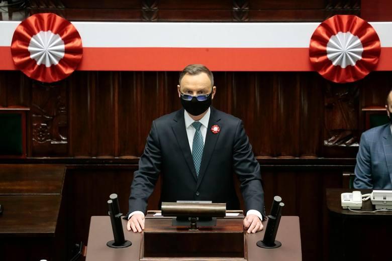 Prezydent Andrzej Duda z chęcią poinformował o swoim szczepieniu, żeby zachęcić do tego samego resztę Polaków. Wybrano preparat przedsiębiorstwa Moderna.Czytaj