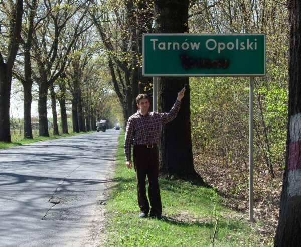 W sąsiednich gminach tablice budzą kontrowersje, są zamalowywane, obawiam się ze u nas będzie podobnie - mówi radny Witold Rożałowski.