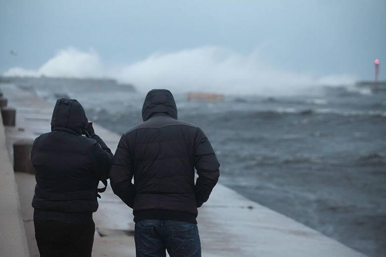 UWAGA. Wydano ostrzeżenie przed silnym wiatrem