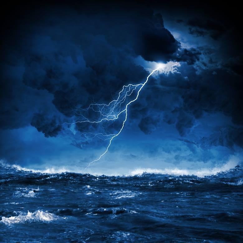 Gdzie jest burza? Sprawdź, gdzie uderzą opady deszczu. Gdzie spodziewać się piorunów, gradu?