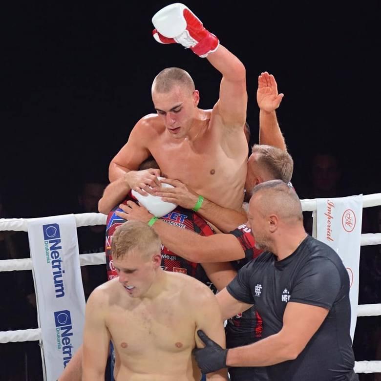 Wygrana walka zawodowa na HFO: Nowe Rozdanie przez TKO w 3 rundzieWygrana walka zawodowa na HFO: Spartan Night przez KO w 1 rundzie2 wygrane walki amatorskie