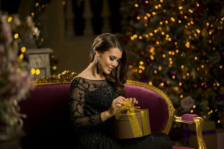 Z okazji zbliżających się mikołajek oraz świąt Bożego Narodzenia podpowiadamy kilkanaście propozycji różnych prezentów, które pomogą paniom zachować