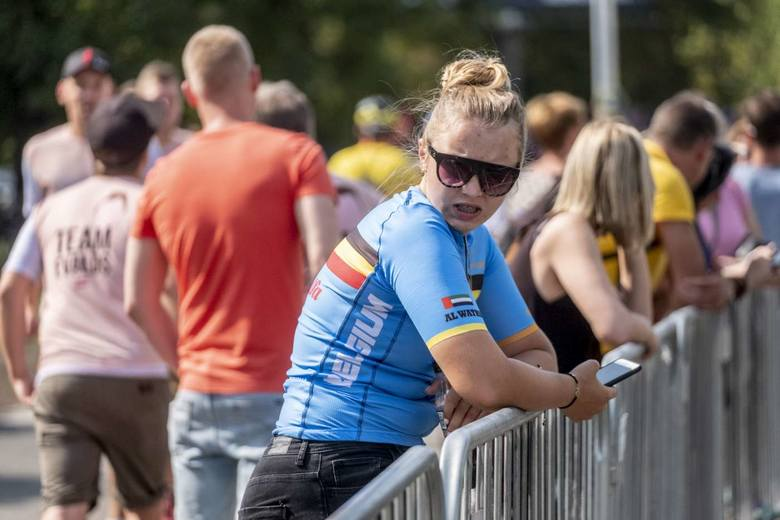 Ponad trzy godziny rywalizowali najlepsi kolarze na trasie MŚ amatorów UCI Gran Fondo w Poznaniu. Po pasjonującym finiszu na ulicy Grunwaldzkiej w najbardziej