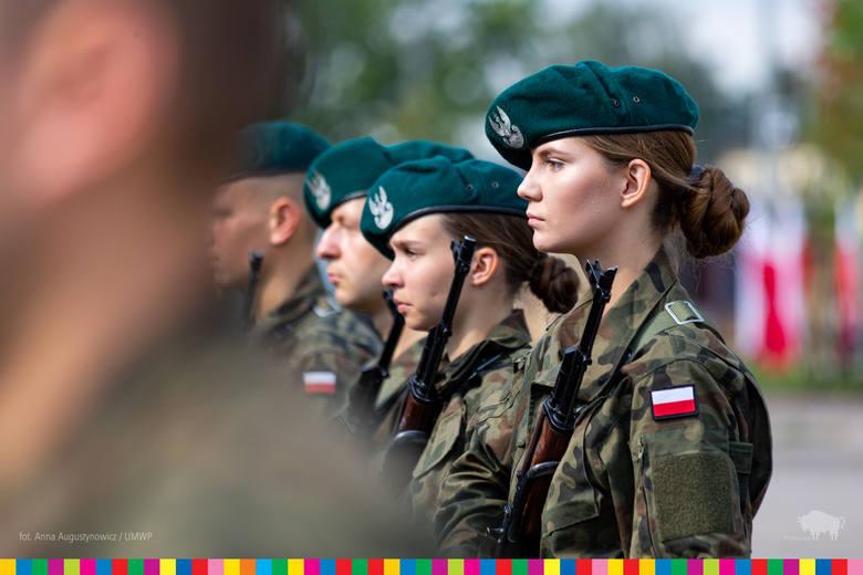 Nowi żołnierze w 18. Białostockim Pułku Rozpoznawczym złożyli przysięgę [ZDJĘCIA]