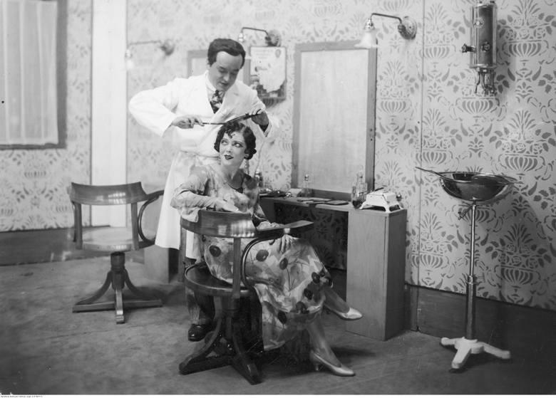 To były fryzury! Zobacz modę w latach 30. XX wieku. W Krakowie i nie tylko [ZDJĘCIA]
