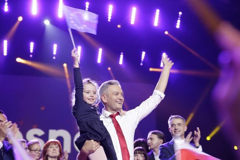 35 obietnic za 35 miliardów złotych. Co chce mienić Robert Biedroń z nową partią Wiosna?