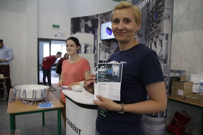 W Zespole Szkół Technicznych przy ul. Ogniowej we Włocławku pracodawcy i instytucje rynku pracy zaprezentowali oferty dla uczniów najstarszych klas szkół