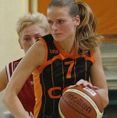 Justyna Jeziorna, podobnie jak koleżanki, zagrała w Toruniu nieźle, ale do optymalnej dyspozycji trochę jej jeszcze brakuje