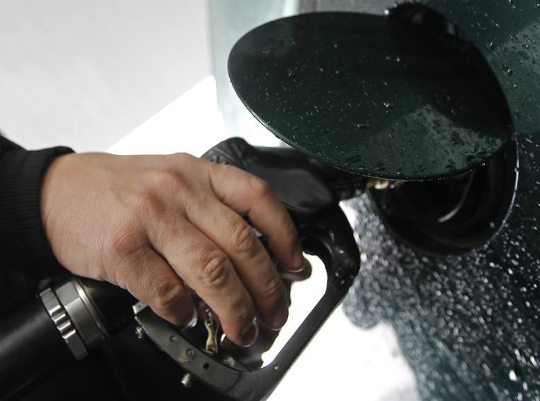 Aktualne ceny paliw w regionie (notowanie z 14.05). Podane ceny to kolejno: benzyna Pb95, diesel i gaz LPGKROSNOLotos, ul. Podkarpacka4,09 zł4,15 zł1,72