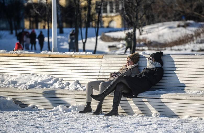 Według ostatnich badań CBOS, papierosy w Polsce pali co trzeci mężczyzna i więcej niż co piąta kobieta.