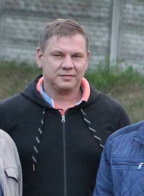 Trener i prezes KS Olkusz, występującego w grupie I KO Kraków, w ekstraklasie grał w trzech klubach: Ruchu Radzionków (2000-01), Odrze Wodzisław Śląski