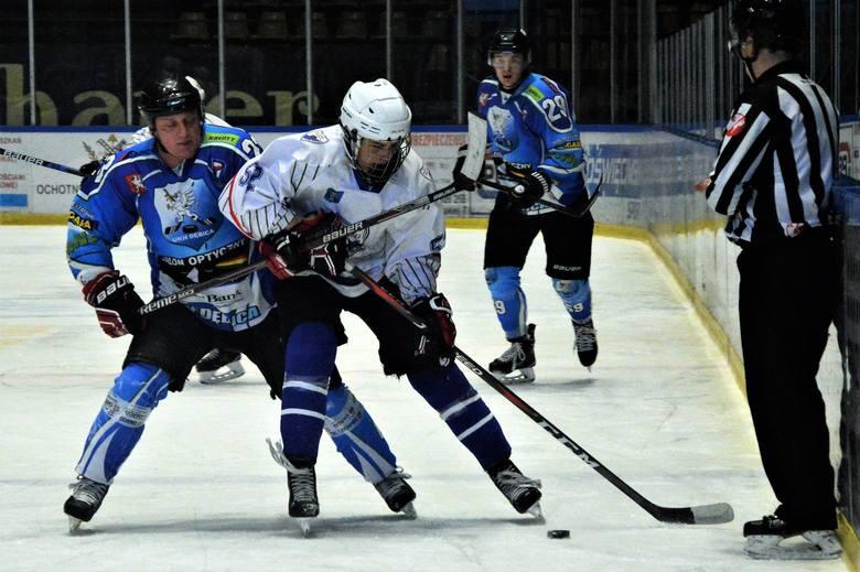 1. liga hokejowa. Roz(Bryk)ana UKH Dębica wygrała w Oświęcimiu z Unią [ZDJĘCIA]