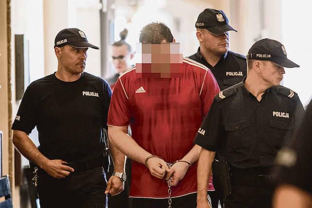Marcin Ch. z Samociążka, oskarżony o zabicie żony ze szczególnym okrucieństwem, wciąż siedzi w areszcie