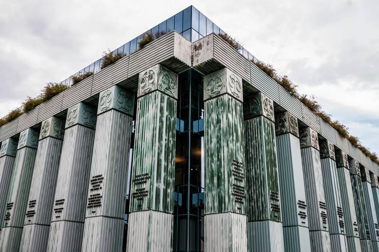 KE składa wniosek do TSUE o zawieszenie Izby Dyscyplinarnej SN