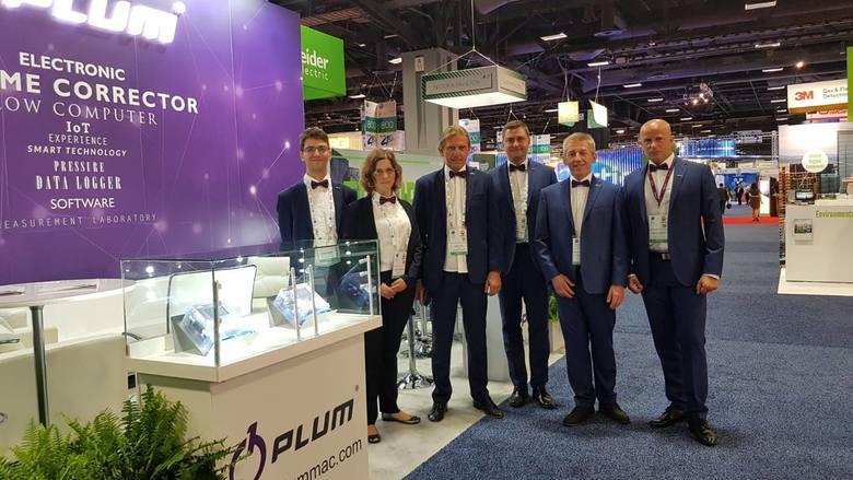 Firma PLUM prezentuje się na targach branży gazowniczej w USA