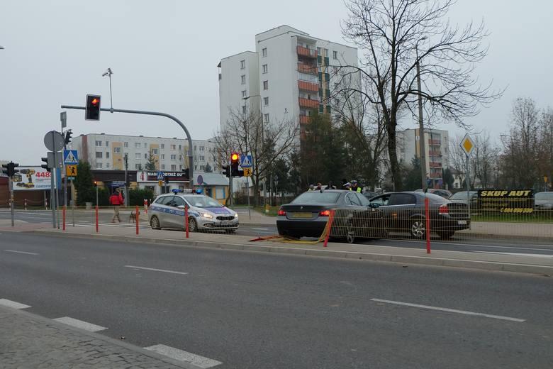 - Kierowca BMW skręcając w prawo z ulicy podporządkowanej w Antoniuk Fabryczny stracił panowanie nad autem - mówi asp. Marcin Gawryluk z zespołu prasowego